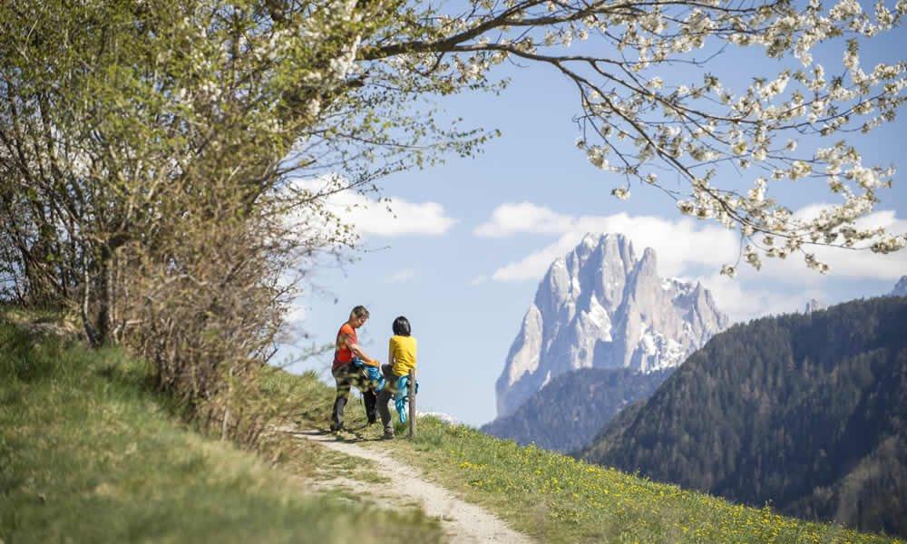 Sulle orme dell'escursionista Reinhold Messner: trekking e alpinismo nelle Dolomiti